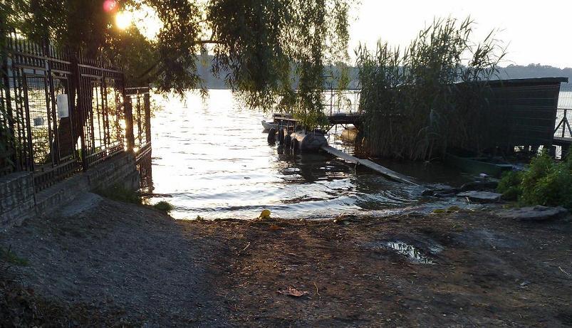 Lacul Snagov - intrarea Florilor